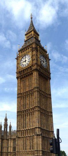 Elizabeth Tower (Big Ben) in London (June 2014) - Photo taken by BradJill