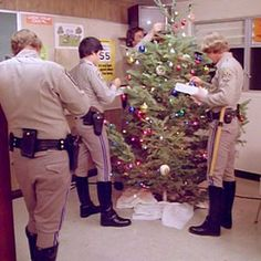 34 memorable Christmas episodes of classic TV shows Christmas Tv Shows, Christmas Episodes, Christmas Tale, Vintage Christmas, Xmas, Larry Wilcox, 70s Tv Shows, Movies And Tv Shows, Christmas Tv Specials