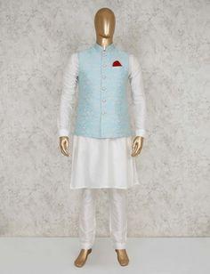 Wedding Kurta For Men, Wedding Dresses Men Indian, Wedding Dress Men, Wedding Suits, White Kurta Men, Groom Wear, Groom Outfit, Modi Jacket, African Wear Styles For Men