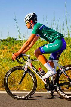 A Volta a Portugal está pronta para partir e nós também. Como mobility partner, na Via Verde vamos acompanhar este evento de perto, sobretudo a etapa dedicada a ciclistas amadores! #viaverde #viagensevantagens #etapadavolta #VoltaAPortugal #ciclismo