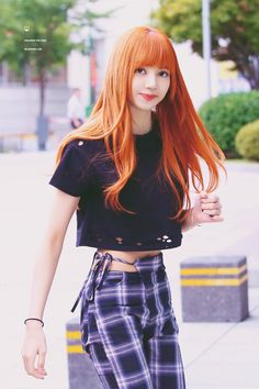 You are a fan of the YG girl group Black Pink, especially you are very fond of and impressed with her talented little sister Lisa Blackpink? Blackpink Lisa, Moda Kpop, Lisa Black Pink, Black Pink Kpop, Black Girls, Blackpink Fashion, Korean Fashion, Fasion, Korean Girl
