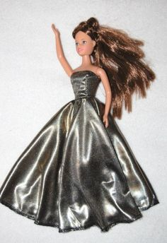 patrons gratuits de robes pour poupée mannequin - free dresses patterns for dolls