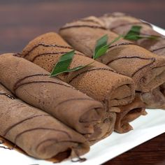 Dadar Gulung Pisang Coklat This snack is one of the local favorite food, crepe banana choco roll! It's soft texture and the sweet flavour is. Indonesian Desserts, Indonesian Cuisine, Asian Desserts, Cooking Cake, Cooking Recipes, Crepe Recipes, Dessert Recipes, Cookies Et Biscuits, Diy Food