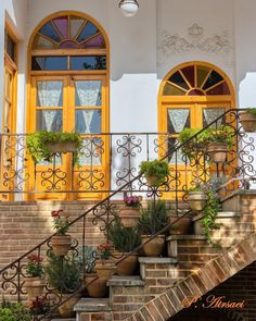 Persian Architecture, Beautiful Architecture, Middle East Destinations, Travel Destinations, Middle Eastern Decor, Iran Pictures, Fairytale House, Wallpaper Nature Flowers, Persian Garden