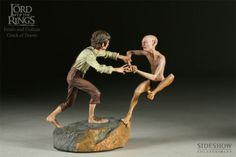 Lord-of-the-rings-The-Crack-of-Doom-Frodo-and-Gollum-Sideshow-statue-Hobbit