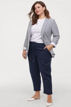 Curvy Girl Fashion Outfits, Plus sized clothing, fashion tips, plus size fall wardrobe and refashion. Fall and Autmn Fashion Outfits Trends for Plus Size. Casual Work Outfits, Curvy Outfits, Mode Outfits, Work Casual, Fashion Outfits, Office Outfits, Office Uniform, Casual Office, Grunge Outfits