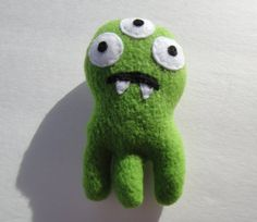 Oscar The Octomonster Catnip Toy  Pea Green