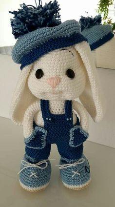 Crochet Bunny Pattern, Crochet Animal Patterns, Stuffed Animal Patterns, Crochet Patterns Amigurumi, Cute Crochet, Amigurumi Doll, Crochet Crafts, Crochet Dolls, Crochet Stitches