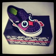 Girls Vans Shoes.. can they make these in women sizes