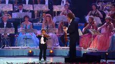 Andre Rieu & 4 year old violinist, Akim Camara --*°•♥•°* Ebru Sanatı & Marbling Art *°•♥•°* , www.facebook.com/EbruSanatiMarblingArt
