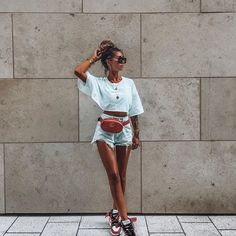 Can Make a Simple Outfit Look Cool Fashion Idol, Fashion Outfits, Womens Fashion, Fashion Trends, Simple Outfits, Short Outfits, Streetwear, Song Of Style, Look Cool