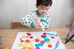 마니아 컬럼(육아) - 여성포털이지데이 Art For Kids, Kids Rugs, Home Decor, Art For Toddlers, Decoration Home, Art Kids, Kid Friendly Rugs, Room Decor, Interior Decorating