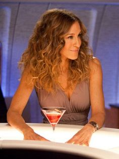 Carrie Bradshaw, Is That You? Sarah Jessica Parker Indulges Our Sex and the City Fantasies By Drinking Cosmos in Real Life (PHOTO) http://greatideas.people.com/2015/08/05/sarah-jessica-parker-carrie-bradshaw-cosmo/