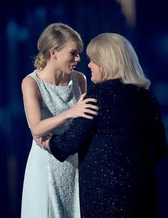 Taylor Swift's mom's speech was precious.