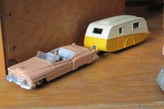 Cadillac Eldorada convertible with caravan, Dinky Toy numbers 131 and 190 Vintage Caravans, Vintage Trailers, Antique Toys, Vintage Toys, Toys Land, Tonka Toys, Matchbox Cars, Metal Toys, Toy Trucks