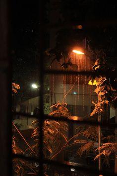 Outside the window on a rainy night. Rainy Window, Night Window, Window View, Rainy Day Photography, Window Photography, Nature Photography, Cozy Aesthetic, Night Aesthetic, Whatsapp Wallpaper