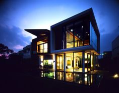 Permanent Link to : Modern House Night View in Sentosa Cove by K2Ld Architect