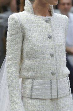 Chanel Couture : Chanel haute couture f / w 2013 Chanel Fashion, Couture Fashion, Runway Fashion, Fashion Trends, London Fashion, Chanel Couture, Chanel Chanel, Chanel 2015, Chanel Style