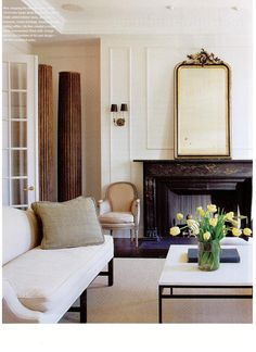 Darryl Carter's whole home design portfolio reflects his keen sense of style and understanding of composition, proportion, and scale. My Living Room, Home And Living, Living Area, Living Room Decor, Living Spaces, Dining Room, Bedroom Decor, Classic Decor, Classic Elegance