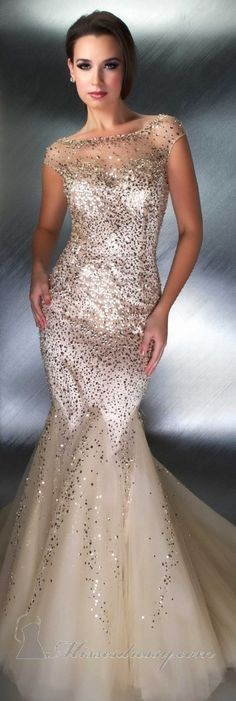 Mac Duggal couture- stunning.