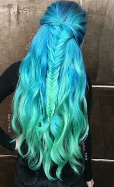 Heart it dyed hair blue, hair dye, blue green hair, hair color blue, Blue Green Hair, Dyed Hair Blue, Dye My Hair, Ombre Hair Color, Cool Hair Color, Blue Ombre, Teal Blue, Pastel Blue, Aqua Hair