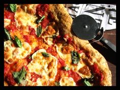 Rustic Italian Pizza with Garlic, Basil and Mozzarella Rustic Italian, Mozzarella, Vegetable Pizza, Basil, Garlic, Snacks, Vegetables, Food, Appetizers