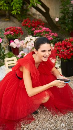 Enter the magic world of Giambattista Valli x H&M: an eclectic feast infused with femininity, where the drama of rich embellishments meets the fluttering of romantic ruffles, sharp tailoring and street-inspired details. Kendall Jenner Icons, Lydia Elise Millen, Red Frock, Kardashian Jenner, Celebs, Celebrities, Love Messages, Summer Looks, Lady In Red