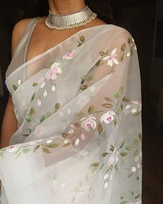 Indian Fashion Trends, Indian Fashion Dresses, Indian Designer Outfits, Indian Outfits, Designer Dresses, Fashion Outfits, Indian Western Dress, Dress Indian Style, Indian Wear