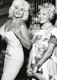 Hollywood Bombshells Jayne Mansfield and Lana Turner Hollywood Stars, Hollywood Actor, Golden Age Of Hollywood, Hollywood Glamour, Old Hollywood Actresses, Classic Actresses, Beautiful Actresses, Actors & Actresses, Lana Turner