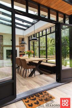 House Extension Design, House Design, Outdoor Living Rooms, Home Building Design, Backyard Patio Designs, Marquise, House Extensions, Glass House, Home Deco