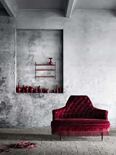 Old Rose sofa | Burgunderot sofa | http://brabbu.com/category/upholstery