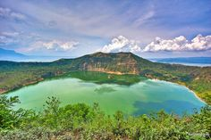 Principal lago volcánico en Vulcan Point, Volcán Taal -Luzón Filipinas