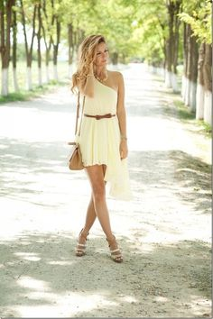 Find images and videos about girl, fashion and beautiful on We Heart It - the app to get lost in what you love. World Of Fashion, Girl Fashion, Fashion Design, Summer Outfits, Summer Dresses, Asymmetrical Dress, Guys And Girls, Dress Me Up, Dress Skirt