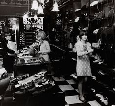 zombiesenelghetto: Mod girl at Biba Boutique, London, photo by Philip Townsend, 1964