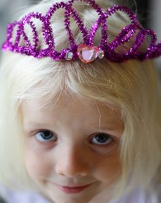 Pipe Cleaner Crown or Tiara | Make your daughter a princess with this easy tutorial. #DiyReady www.diyready.com
