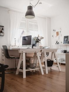 Trendy home office furniture for two ideas Home Office Setup, Home Office Desks, Home Office Furniture, Cool Furniture, Office Decor, Office Ideas, Furniture Ideas, Study Office, Office Table