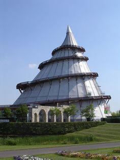 Der Jahrtausendturm im Magdeburger Elbauenpark #Magdeburg #Germany