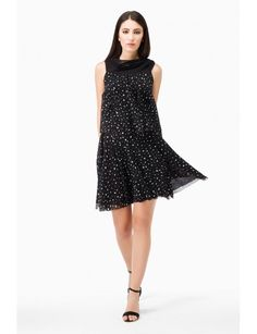 Uneven polka dot printed dress, ample volume, lightweight, made of two large frills fastened at the shoulder with a bow. Contrast color neckline. Comfortable fit. Made in Italy Spring Summer Collection 2017 www.fuzzishop.com & www.fuzzishop.us free shipping and free returns - spedizione e resi gratuiti - made in italy -#fuzzi #fuzzishop #colorful #glam #girls #women #womenswear #fashionblogger #cool #ootd #outfit #fashion #style #outfits #passion #love #gift #stylish #shopping .