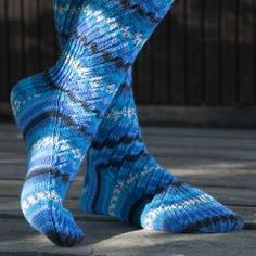 Villasukat - Käsityöohjeet | Lankava.fi Knitting Socks, Free Knitting, Knee High Socks, Leg Warmers, Ravelry, Free Pattern, Knit Crochet, Crochet Patterns, Slippers