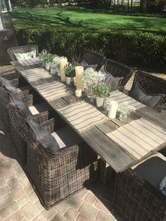 29 Easy And Cheap Backyard Seating Ideas Backyard Seating, Outdoor Seating, Backyard Patio, Outdoor Dining, Outdoor Spaces, Outdoor Decor, Outdoor Farm Table, Patio Furniture Sets, Modern Furniture
