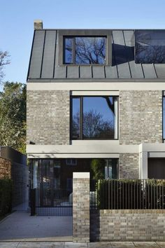 RIBA announces the winners of the 2019 London Regional Award - architektur Perspective Architecture, Brick Architecture, Residential Architecture, Architecture Details, Brick Siding, Brick Facade, Facade House, House Facades, Buy Solar Panels