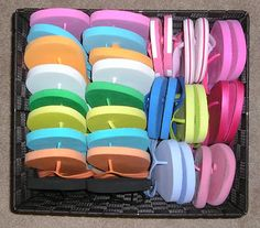 Flip Flop Storage and Cleaning     *I used to always clean my flops. Love this girl's method!*