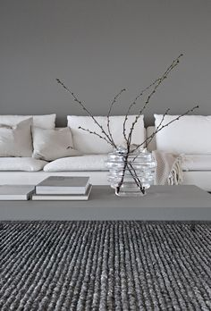 While waiting for spring, Greige living room Stylizimo Home, Minimalism Interior, Greige Living Room, Minimalist Decor, Interior Architecture Design, Floral Arrangements, Beautiful Interiors, Popular Interior Design, Interior Design Inspiration