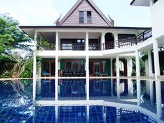 http://www.thailand-property.com/real-estate-for-sale/3-bed-villa-surat-thani-koh-samui-ang-thong_16862