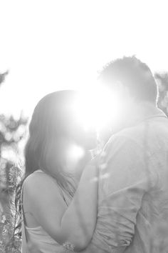 Black and white romantic couple photography.