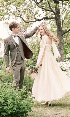 Couple Moments, Collections Photography, Work Fashion, Fashion Outfits, People Poses, Wedding Groom, Spring Wedding, Fall Jeans, Wedding Photos