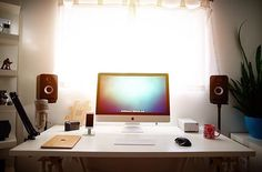 """Source: @macintoshmatt #minimal #minimalsetups #workspace"""