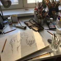 Trendy Ideas For Art Aesthetic Painting Hands Art Sketches, Art Drawings, Art Hoe Aesthetic, Aesthetic Drawings, Aesthetic Painting, Aesthetic Outfit, Aesthetic Makeup, Aesthetic Fashion, Arte Sketchbook