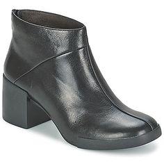 Füllen Sie Ihren Kleiderschrank mit der Stylish LOTTA Schwarz Boots Preis nur für 115,50 €. Die Marke Camper macht selbstverständlich alle Fashionistas glücklich!   #damenschuhe  #Stiefelettendamen  #CamperStiefeletten