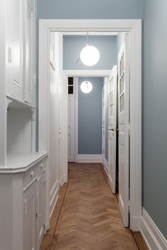 seventeendoors - Sida 2 av 456 - by Ulrika Randel Architecture Details, Kitchen Dining, Kitchen Island, Interior And Exterior, Mirror, Bathroom, Inspiration, House, Furniture